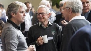 Roskildes næstformand Torben Madsen, th., og Ledreborgs golfmanager,  Peter Gindrup, tv, i dialog med med Jan Eriksen og Lars T. Carlsen, RoGK.s  natur- og miljøudvalg